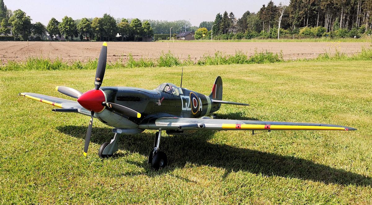 Spitfire Mk IX front - detail